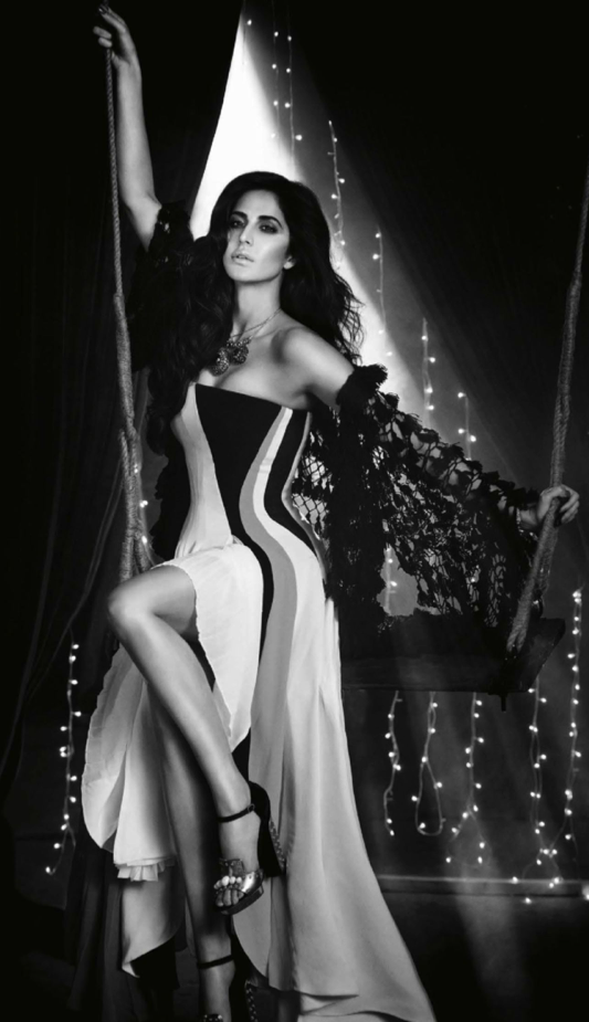 Katrina Kaif Latest Spicy Pose For Vogue December 2013 Issue