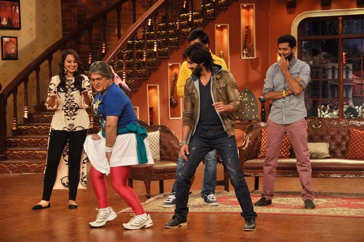 R Rajkumar Movie Cast At Comedy Nights with Kapil Show