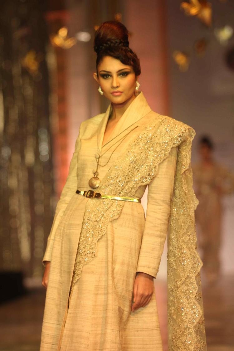 A Model Showcased Of Designer Neeta Lulla On Day 6 At IBFW 2013 Neeta Lulla Show