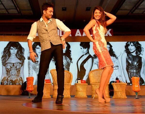 Hottie Priyanka Chopra Packs A Punch At Agenda Aaj Tak 2013