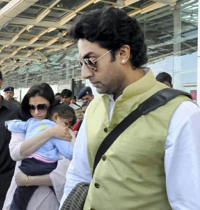 Aish And Abhi With Their Daughter Aaradhya In Bhopal To Attend Jaya Nephew's Wedding