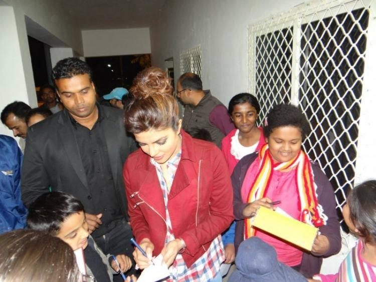 Priyanka Chopra Autograph Pic At 4th Kabaddi World Cup Tournament In Bathinda