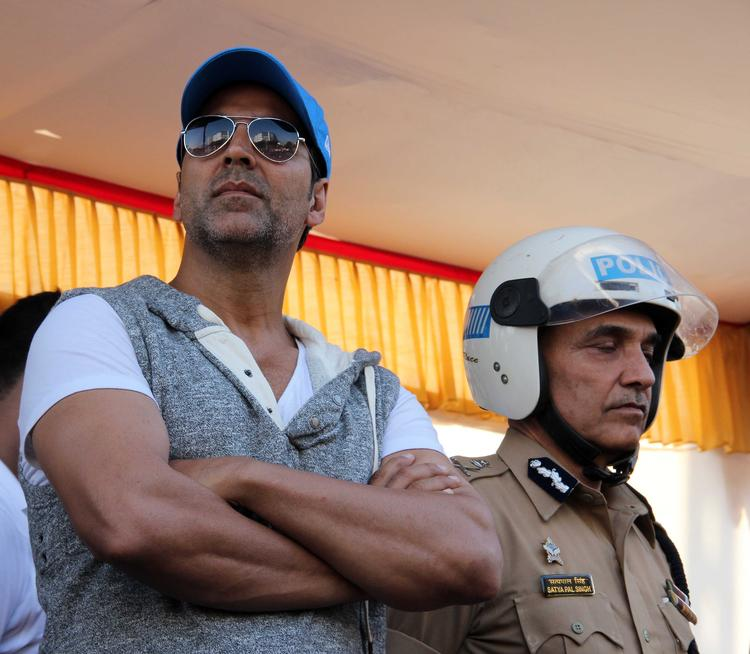 Akshay Kumar During The Ride For Safety Bike Rally Event