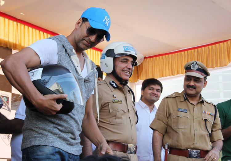 Akshay Kumar Pose With Helmet At Ride For Safety Bike Rally Event
