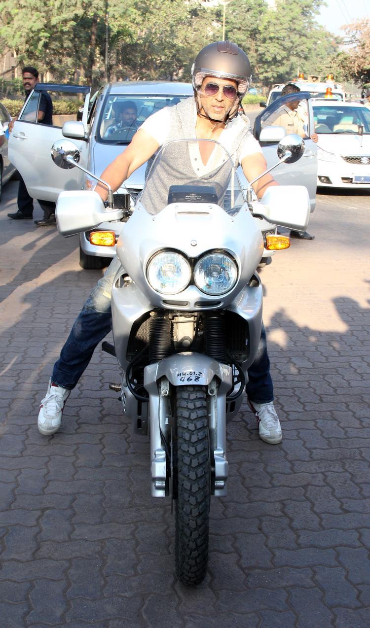 Akshay Kumar At Ride For Safety Rally Organised by Mumbai Traffic Police