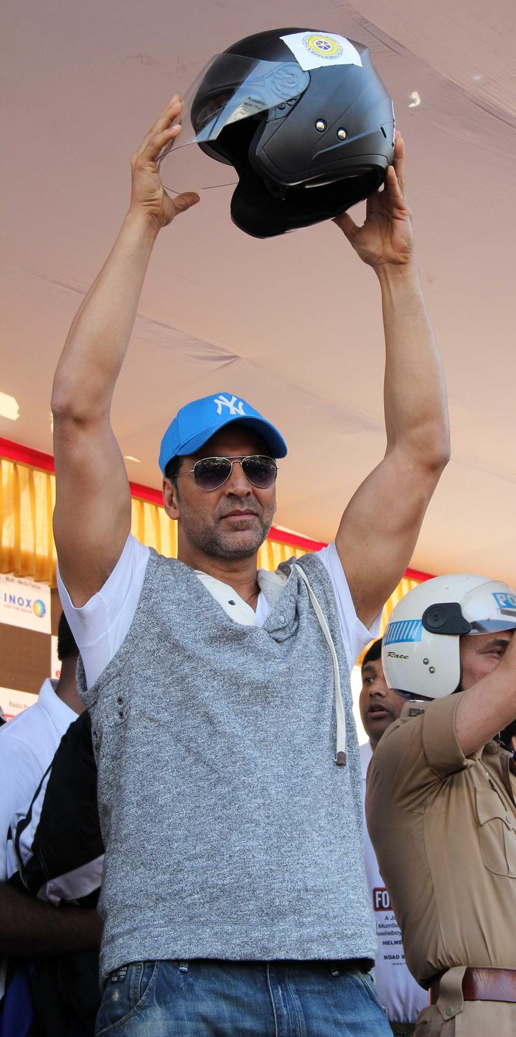 Akshay Kumar Shows Helmet To Use For Safety