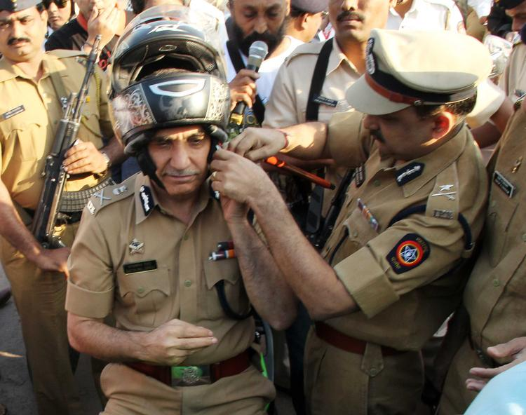 Mumbai Police Wore Helmets To Create Awareness During Ride For Safety Bike Rally Event