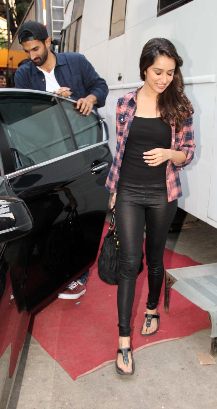 Aditya Roy and Shraddha Arrives At Filmistaan For Koffee With Karan Show Shooting