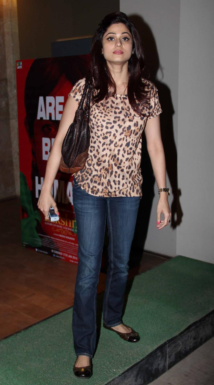 Hot Bollywood Babe Shamita Shetty At Lakshmi Movie Special Screening