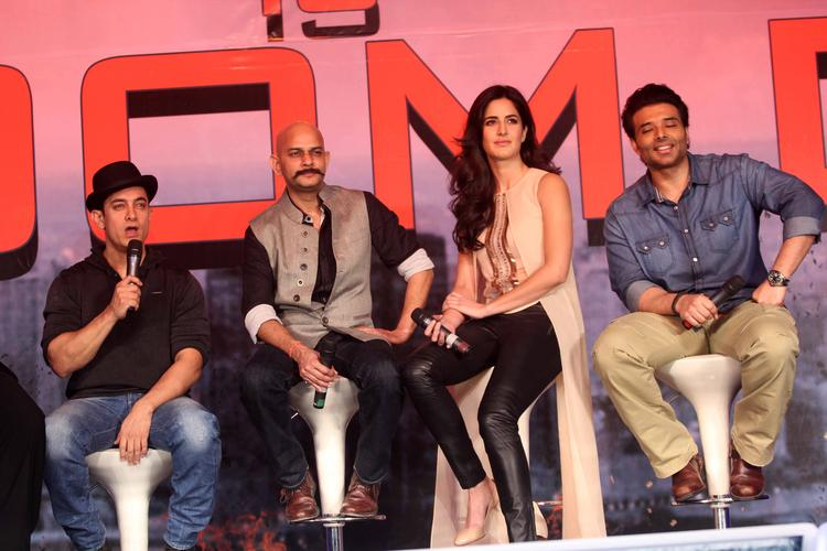 Aamir Addresses The Media,Vijay Krishna,Katrina And Uday Posed During The  Press Conference Of Dhoom 3