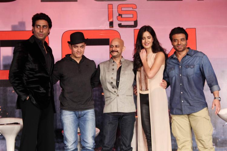 Abhishek,Aamir,Vijay Krishna,Katrina And Uday Clicked During The  Press Conference Of Dhoom 3