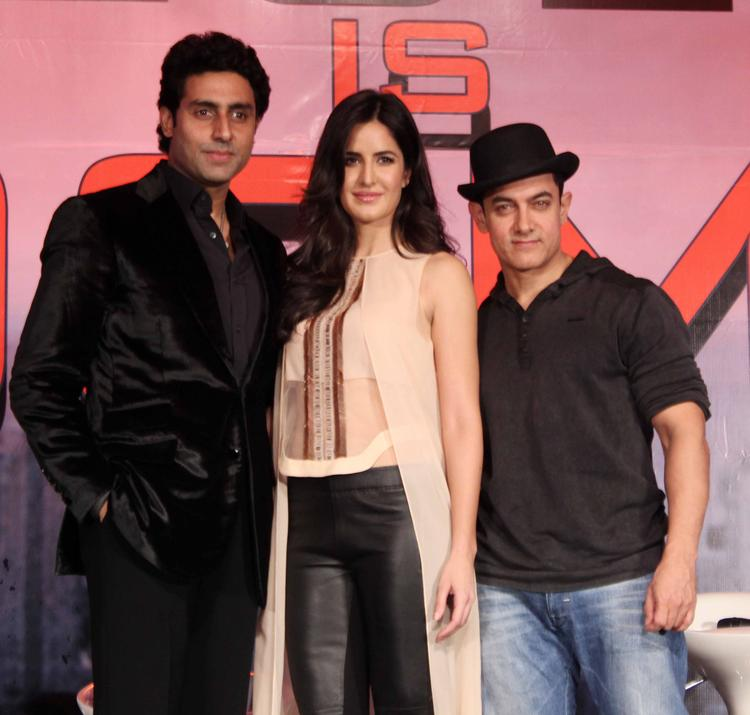 Abhishek,Katrina And Aamir Strike A Pose Dhoom 3 Press Conference