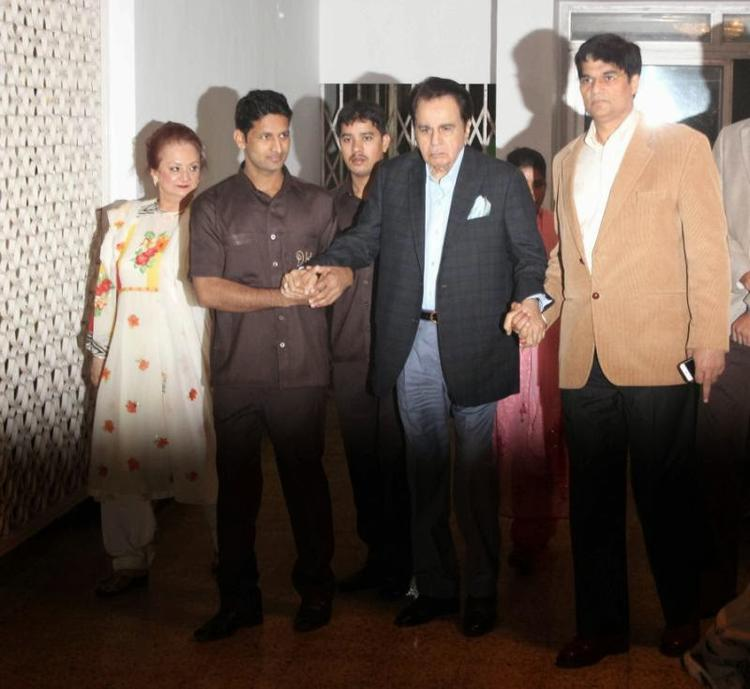 Dilip Kumar And Saira Banu During The Celebration Of Dilip's Birthday Party
