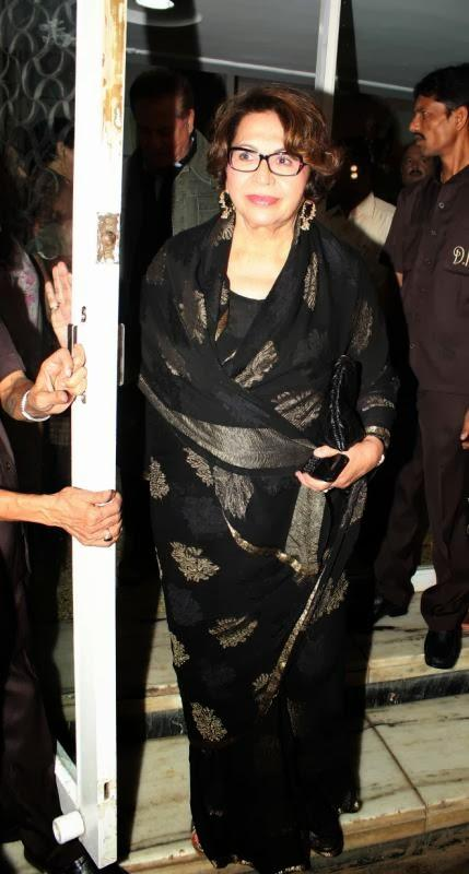 Helen Khan Looks Stunning In Black Saree At Dilip Kumar's Birthday Bash