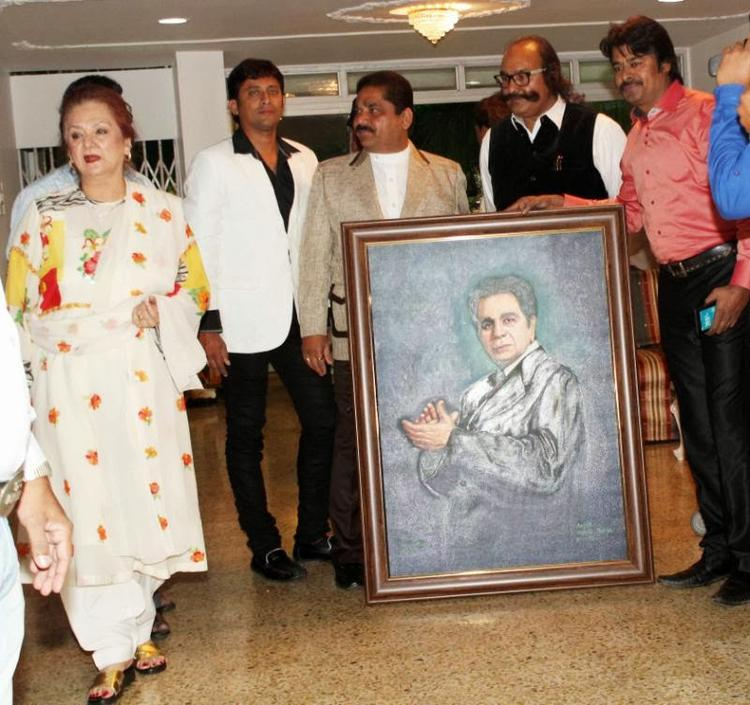 Saira Banu At The Poster Of Hubby During Dilip Kumar's Birthday Celebration