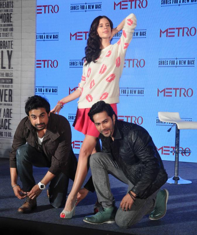 Rannvijay And Varun Prepare For Race At Metro Shoes Campaign Launch Event