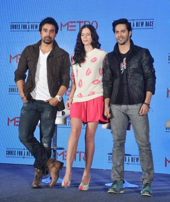 Rannvijay,Kalki And Varun Pose For A Photograph During A Promotional Event For A Shoe Brand In Mumbai