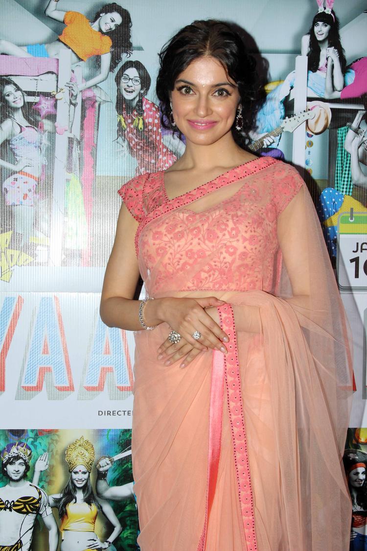 Divya Khosla Kumar In Saree Trendy Look At Yaariyan Music Launch Event