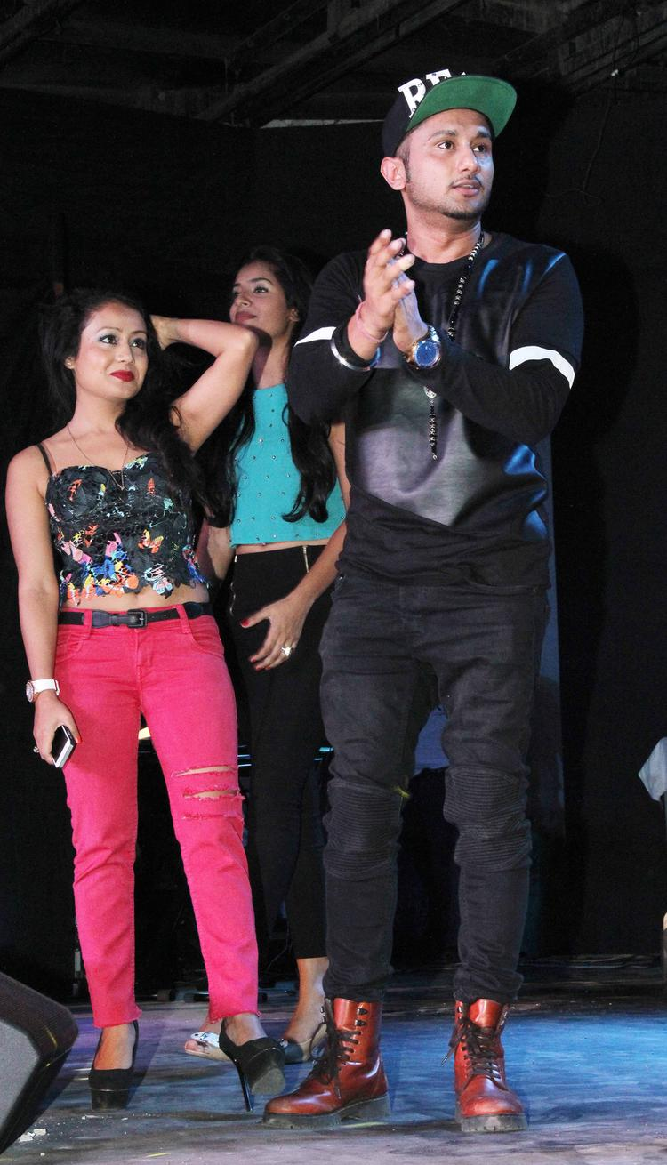 Honey Singh Clapping Look During The Yaariyan Music Launch Event
