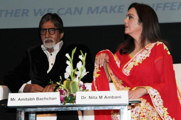 Amitabh And Nita In Mumbai To Create Public Awareness Programme On Road Traffic Accident