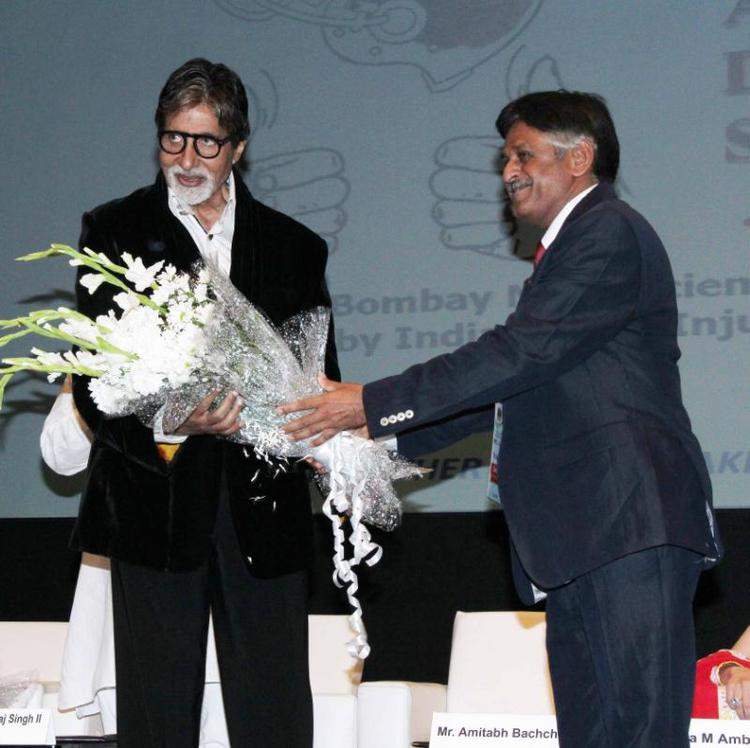 Amitabh Welcom Pic At This Event About Public Awareness Programme On Road Traffic Accident