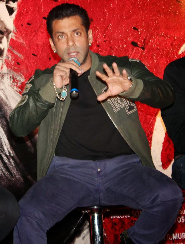 Salman Khan At The Jai Ho Movie First Look Trailer