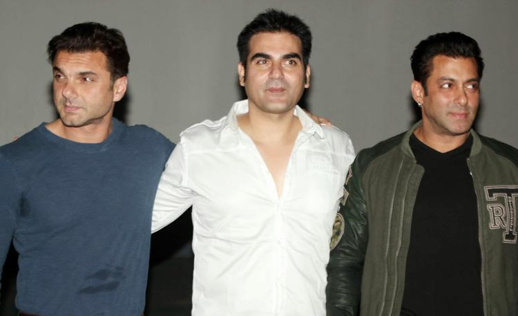 Salman,Sohail And Arbaaz On The Stage Of Jai Ho First Look Trailer Launch Event