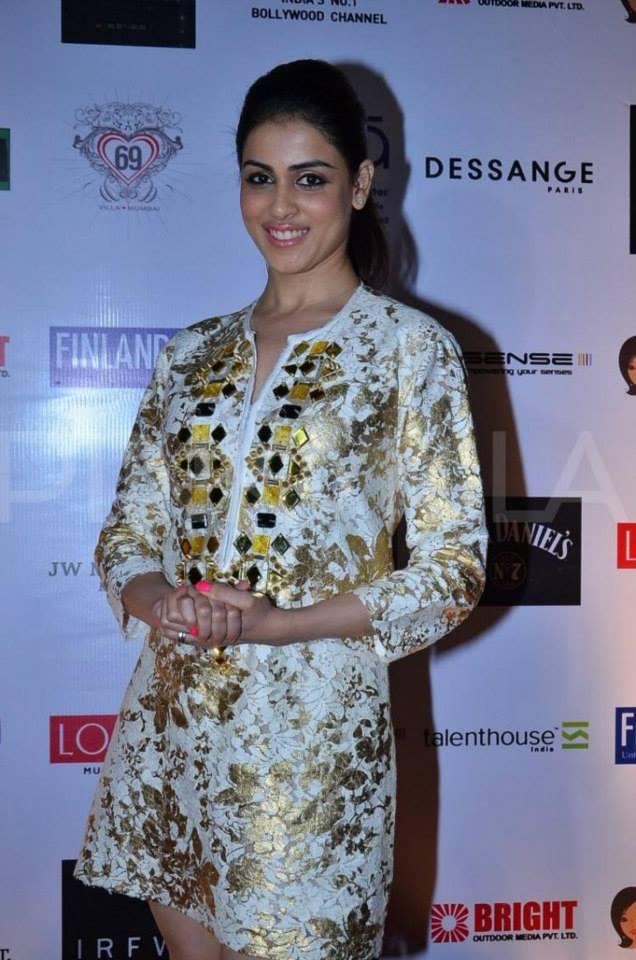 Cute Bolly-Tollywood Beauty Genelia D'Souza Smiling Pic During IRFW Ramp Show