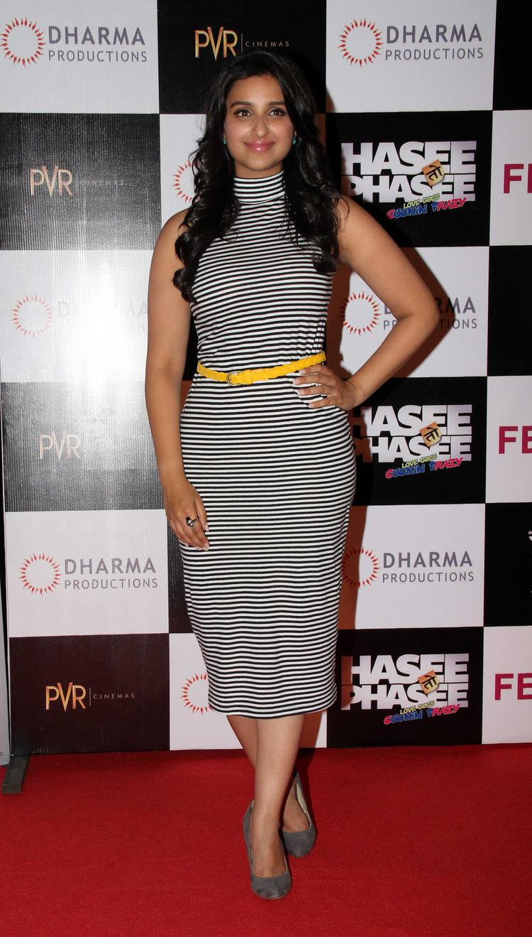 Bollywood Sexy Actress Parineeti Hasee Toh Phasee First Look Launch Event In Mumbai