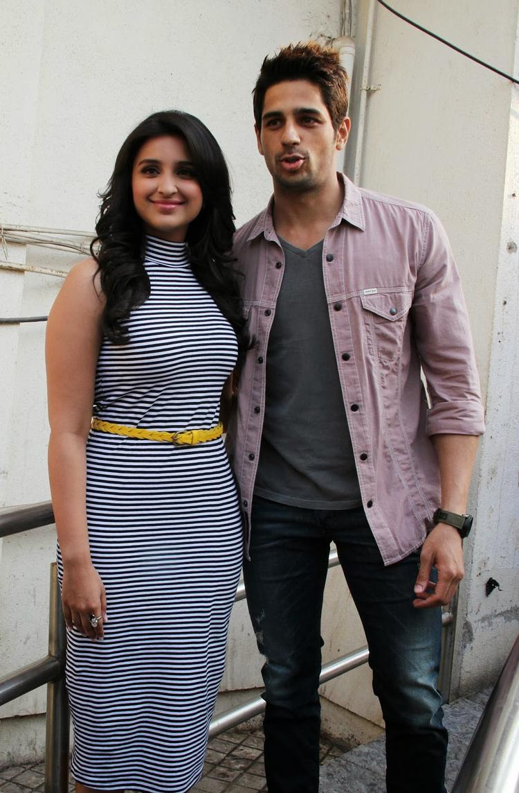 Sidharth And Parineeti Pose At The First Look Launch Of Hasee Toh Phasee Event