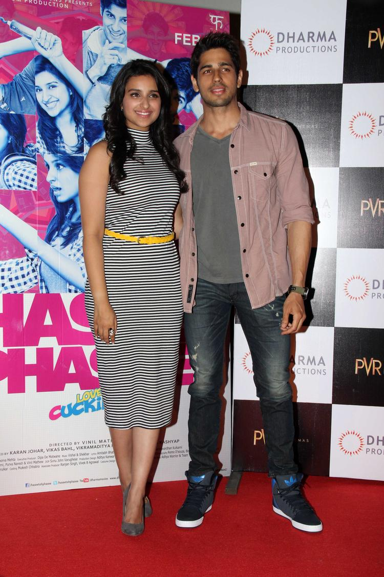 Sidharth And Parineeti On Red Carpet At Hasee Toh Phasee First Look Launch