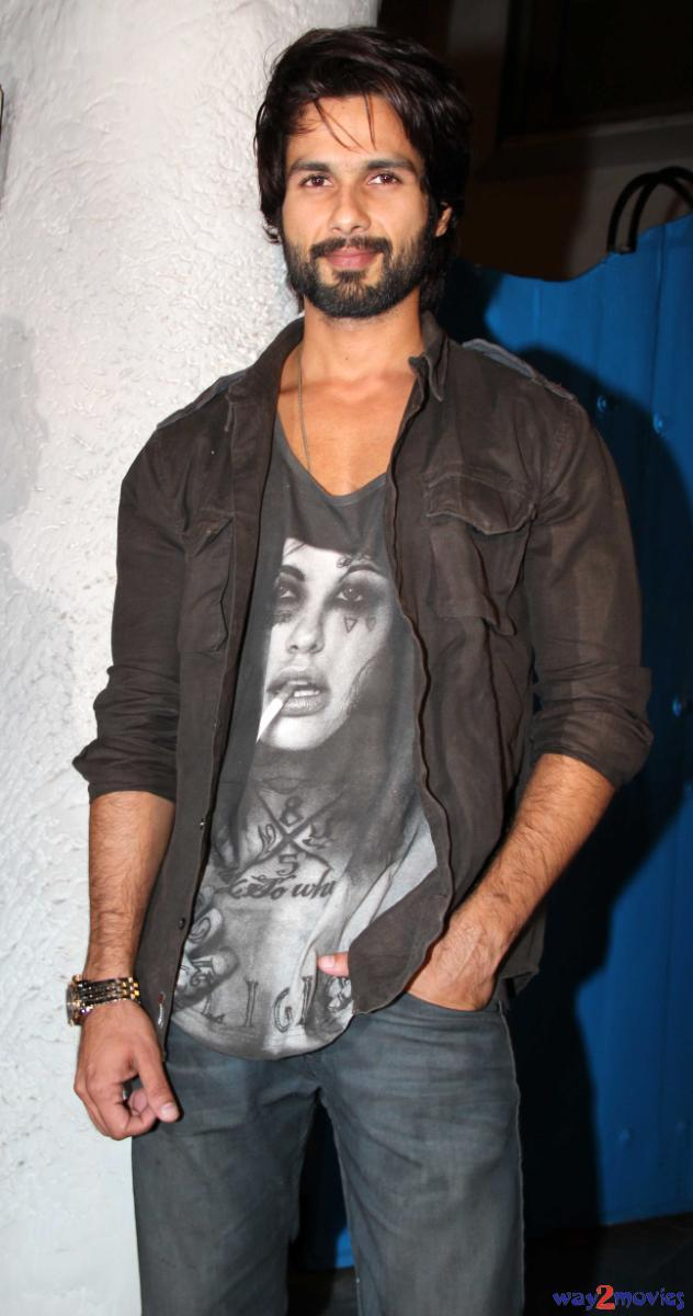 R Rajkumar Star Shahid Kapoor Attend It's Success Party