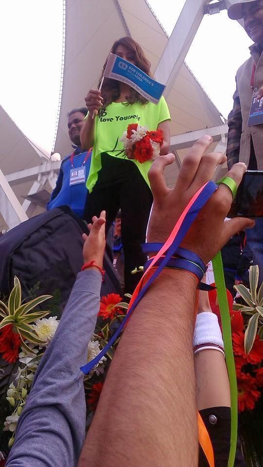 Bipasha Basu Spotted At Airtel Delhi Half Marathon 2013