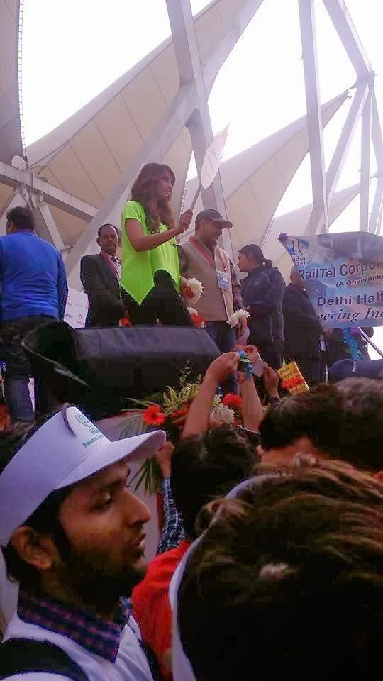 Bipasha Basu Talks Audiance At The Airtel Delhi Half Marathon 2013