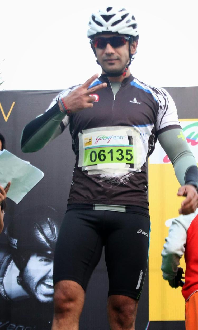 Actor Amit Sadh At Godrej Eon Tour De India 2013 Cyclothon