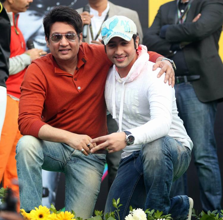 Adhyayan With His Dad Shekhar At Tour De India 2013 Cyclothon Day 2