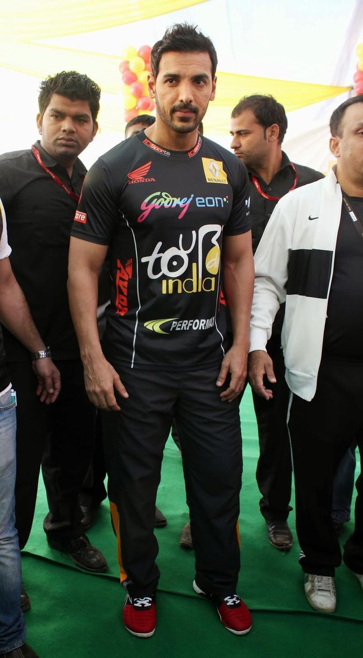 John Abraham Snapped In Mumbai At Godrej Eon Tour De India 2013 Cyclothon Day 2 Event
