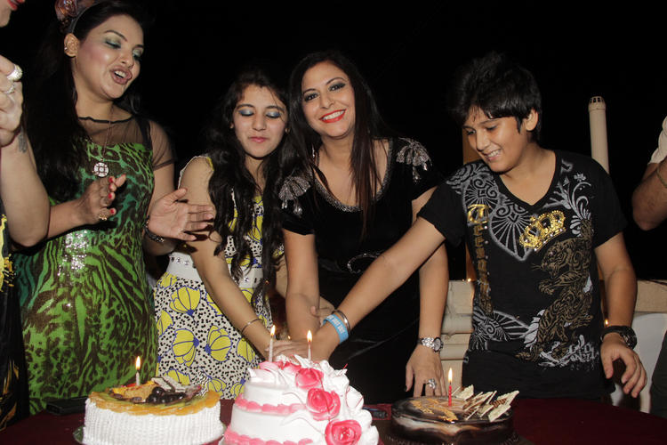 Gurpreet Kaur Chadha Cuts The Cake, Ananya Chadha And Others Cool Look During The Birthday Bash Of Gurpreet Kaur Chadha
