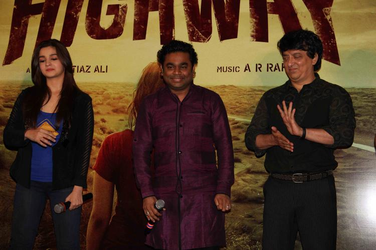 Alia Bhatt,A. R. Rahman And Sajid Nadiadwala Smiling Pose During The First Look Launch Of Highway Movie
