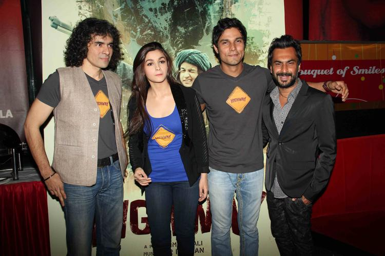 Imtiaz Ali,Alia Bhatt And Randeep Hooda Graced At Highway Movie First Look Launch Event