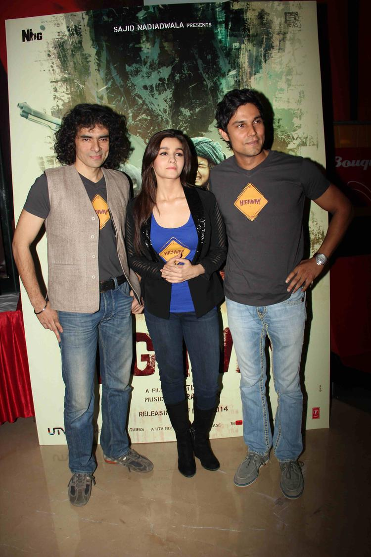 Imtiaz Ali,Alia Bhatt And Randeep Hooda Posed During The Trailer Launch Of Film Highway
