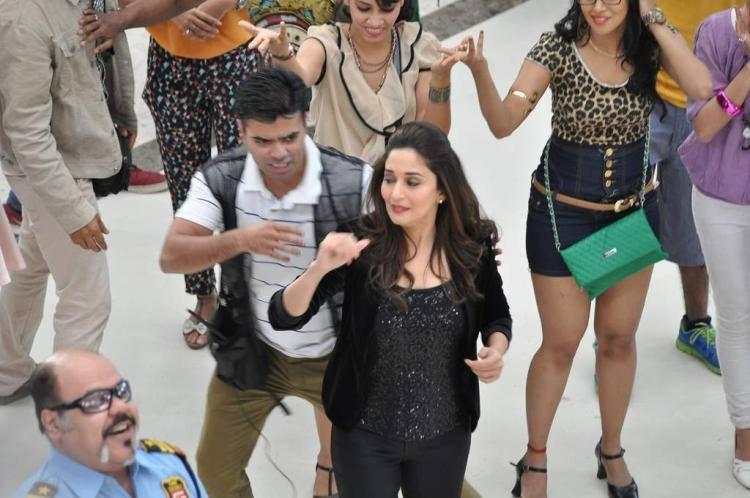 Bollywood Hot Actress Madhuri Dancing For Oral B Ad Shoot