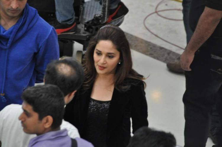 Evergreen Beauty Madhuri Shooting For Oral B Ad