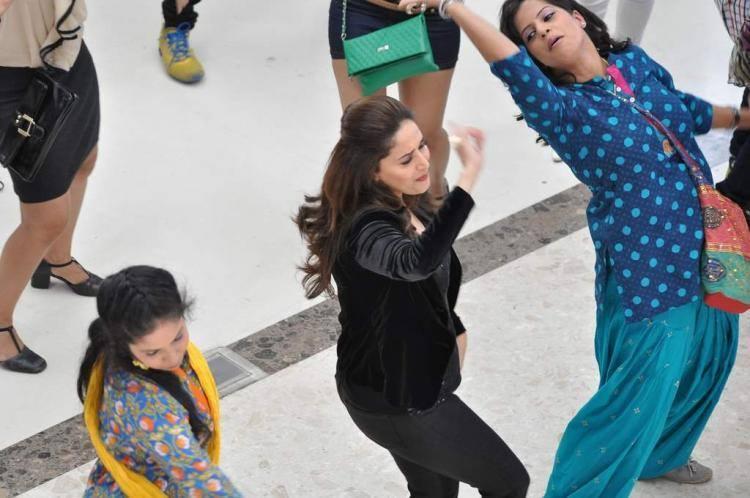 Oral B Ad Shoot Madhuri Dixit Nene Latest Still In Dancing Pose