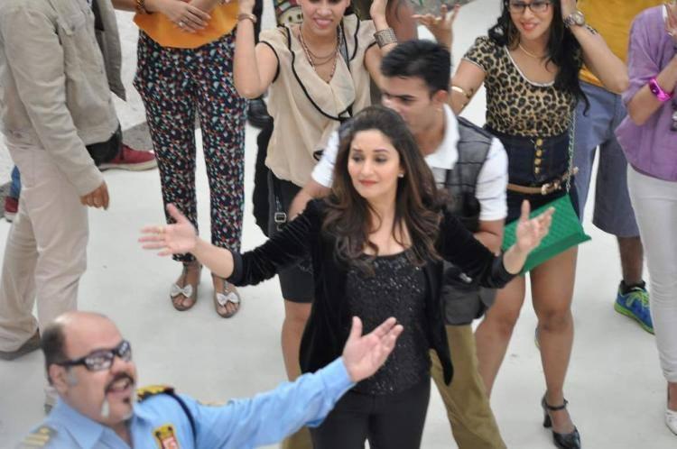 Stunning Madhuri Dixit Nene Dance For Oral B Ad Shoot