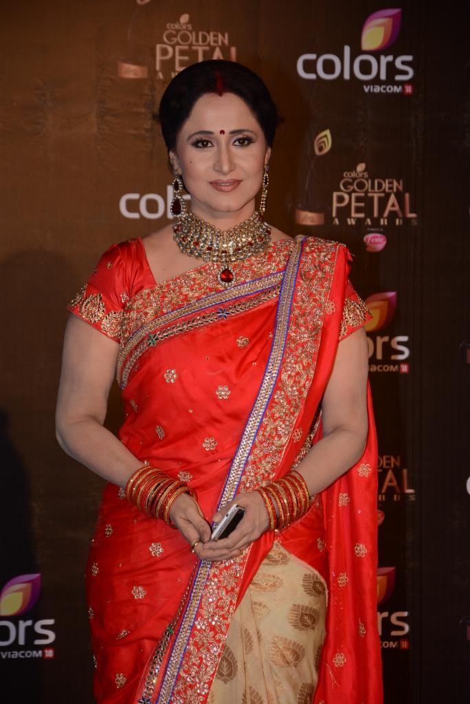 Dr. Nishigandha Wad Beautiful Look At Colors TV 3rd Golden Petal Awards 2013
