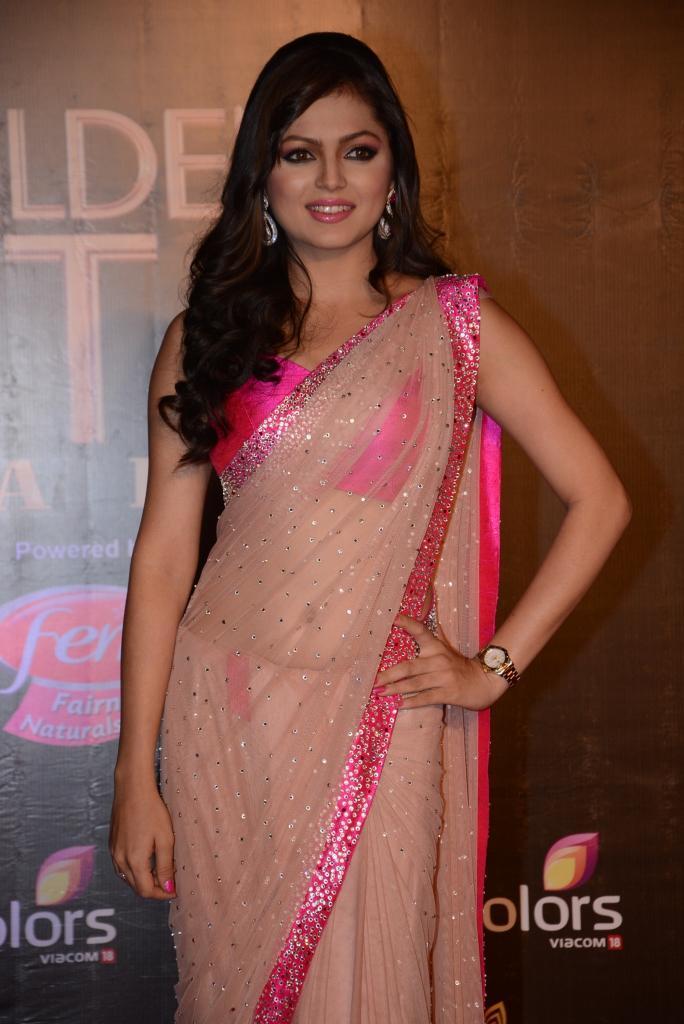 Drashti Dhami Glittered In Saree At Colors TV 3rd Golden Petal Awards 2013