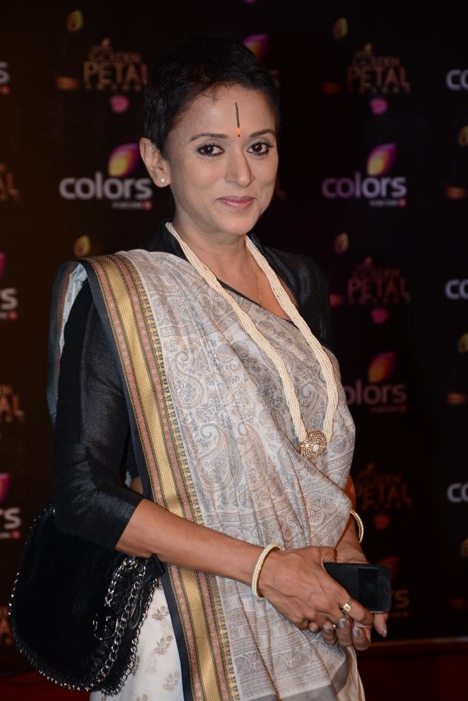 Krutika Desai Khan Nice Stunning Look At Colors TV 3rd Golden Petal Awards 2013