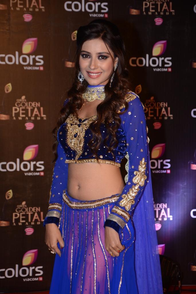 Pratyusha Banerjee Sexy Look In Lehenga At Colors TV 3rd Golden Petal Awards 2013