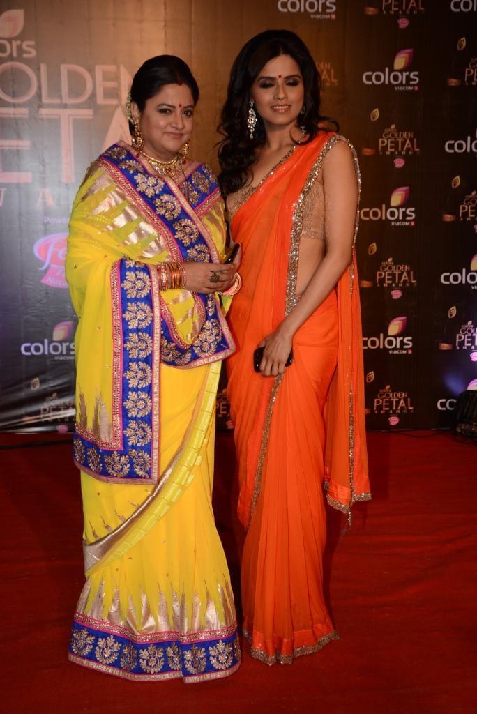 Shama Deshpande And Seema Mishra Posed In Red Carpet At Colors TV 3rd Golden Petal Awards 2013
